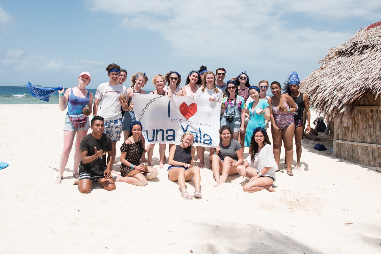 Northwestern University environmental journalism students visit idyllic Kuna Yala, but the archipelago of islands is threatened with inundation as sea levels rise due to climate change. (Colin Boyle/Medill)