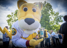 Denver Nuggets mascot shows off a new aluminum cup