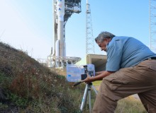 Photographer Charles Twine sets his video camera's homemade timer for launch. Kelly Calagna/MEDILL