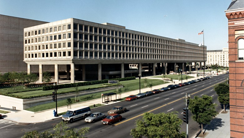 The United States Department of Energy Forrestal Building, built between 1965 and 1969, underwent major energy-efficient upgrades in 2000. (United States Department of Energy)
